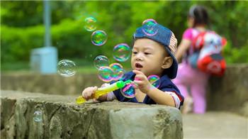 深圳亲子心理咨询机构哪家好-如何培养一个心理阳光的孩子