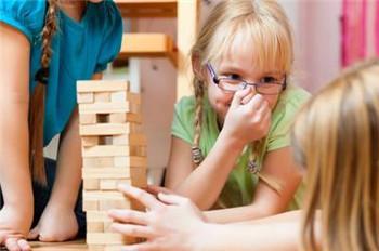 导致孩子出现忧郁心理的原因有哪些